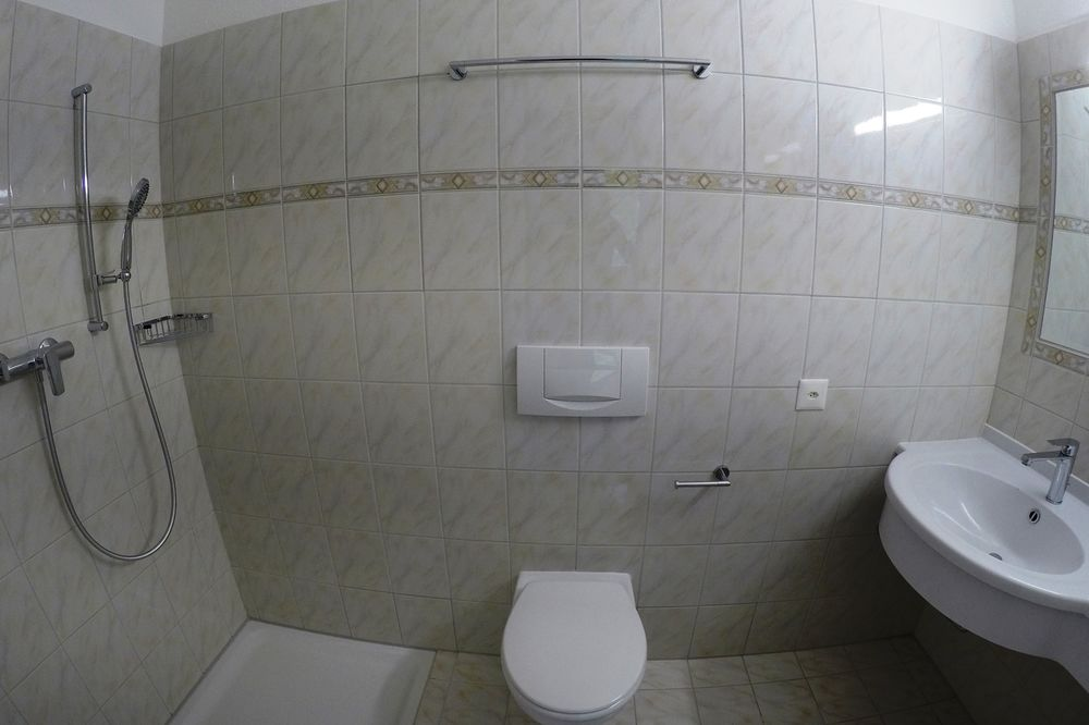 2 Room Apartment To rent at Via Rinaldo Simen 58 in Minusio - 3 Photos