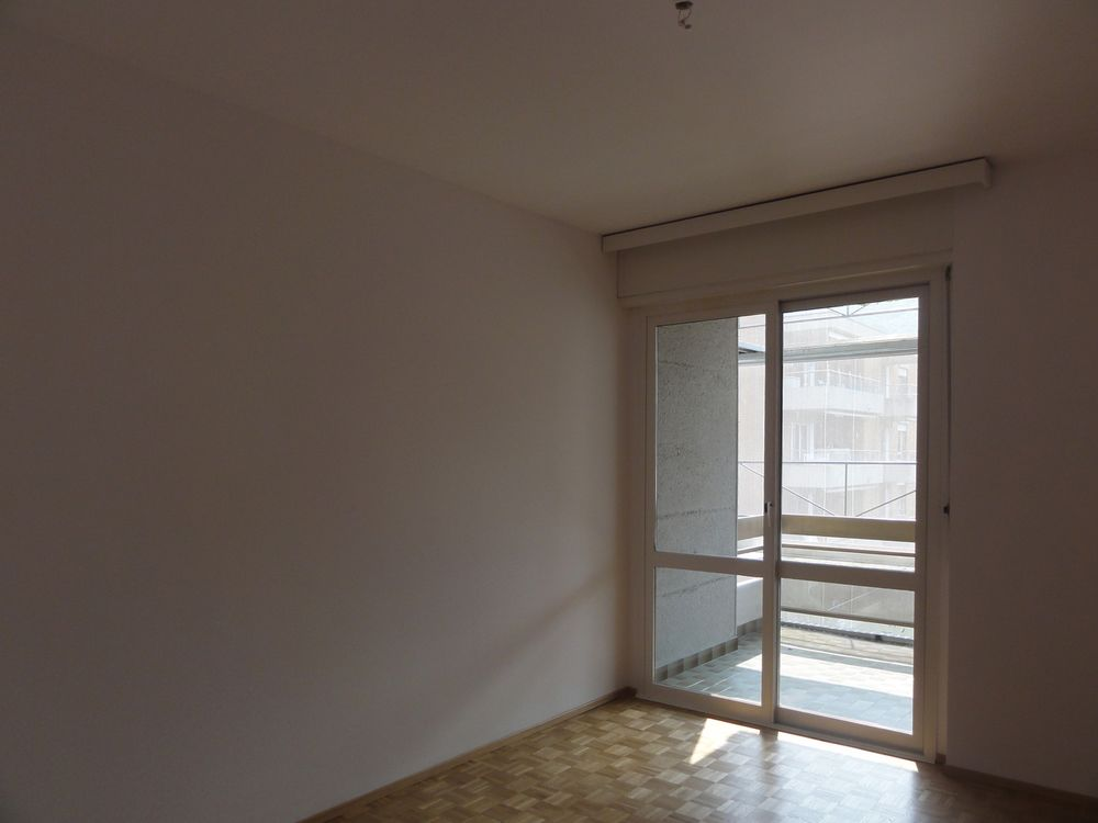 3 Room Apartment To rent at via Ghiringhelli 18 in Bellinzona - 3 Photos