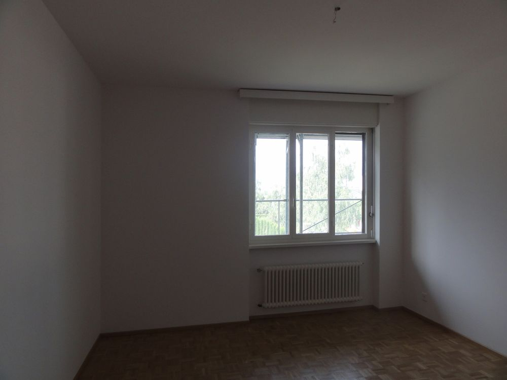 3 Room Apartment To rent at via Ghiringhelli 18 in Bellinzona - 2 Photos