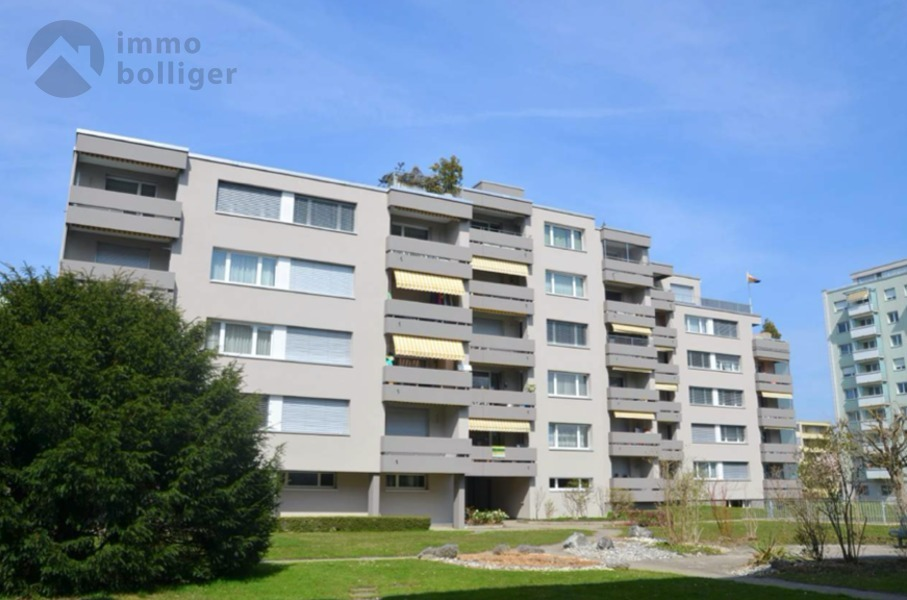 4 Room Apartment For Sale at Fliederstrasse 11 in Zofingen - 8 Photos