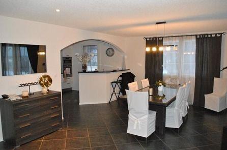 Detached House For Sale in Châtel-Saint-Denis - 10 Photos