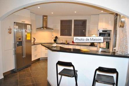 Detached House For Sale in Châtel-Saint-Denis - 2 Photos